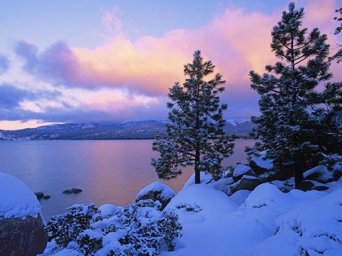 beautiful-natural-lakes-26-photos- (5)