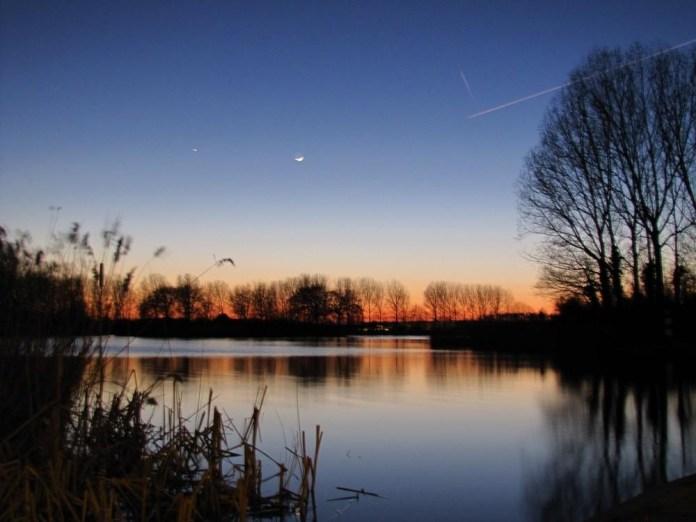 beautiful-natural-lakes-26-photos- (18)