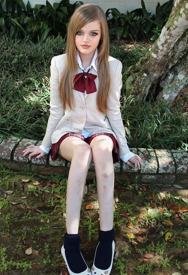 living-barbie-doll-dakota-rose- (3)