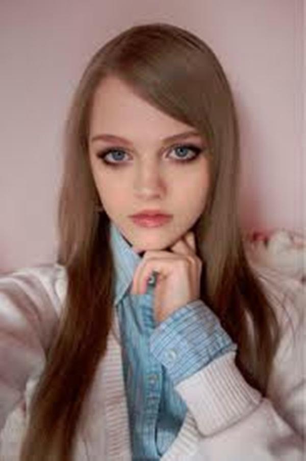 living-barbie-doll-dakota-rose- (20)