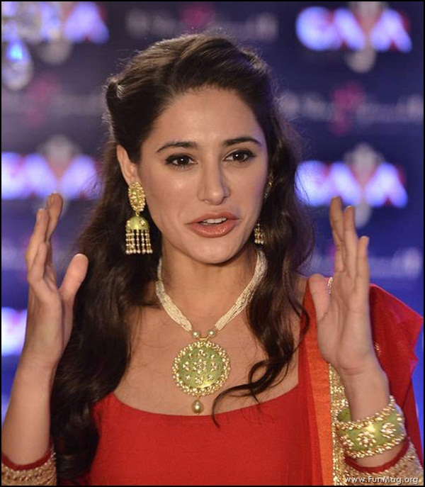 nargis-fakhri-in-red-indian-dress- (6)