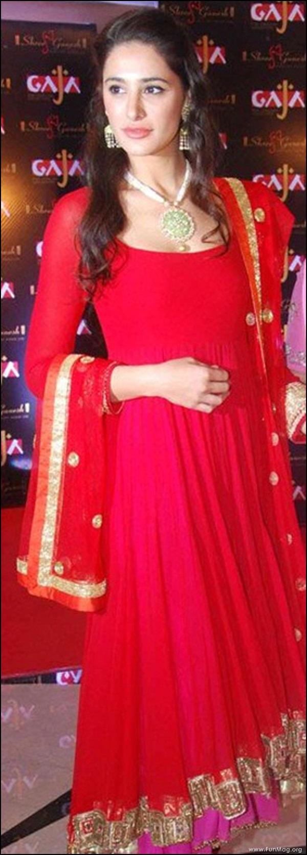 nargis-fakhri-in-red-indian-dress- (20)