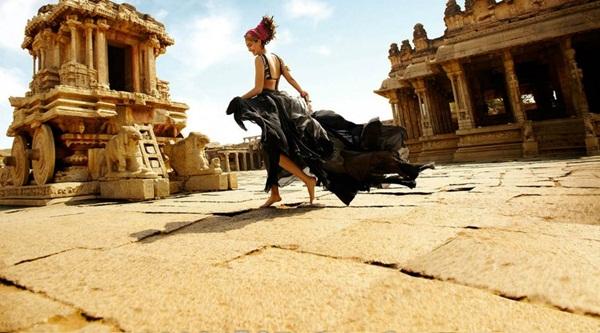 sonam-kapoor-photoshoot-for-elle-magazine- (4)