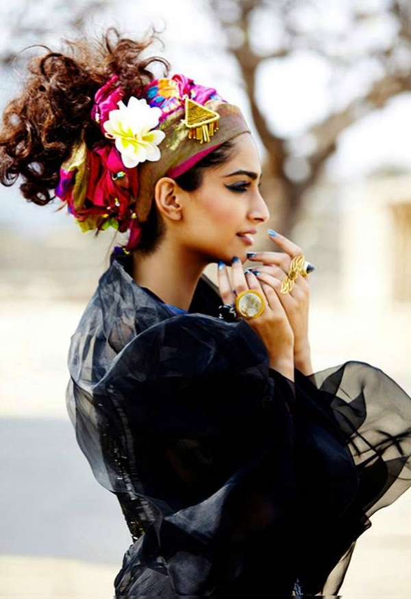 sonam-kapoor-photoshoot-for-elle-magazine- (8)
