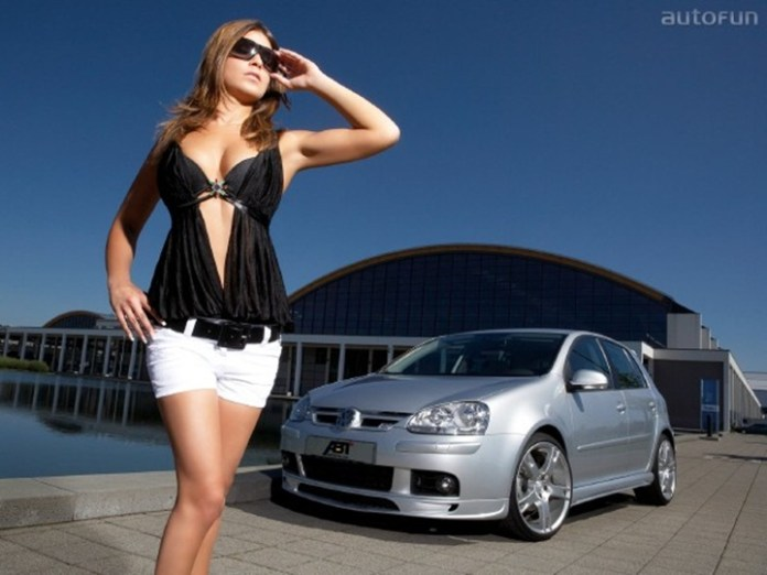 girls-with-exotic-cars- (1)