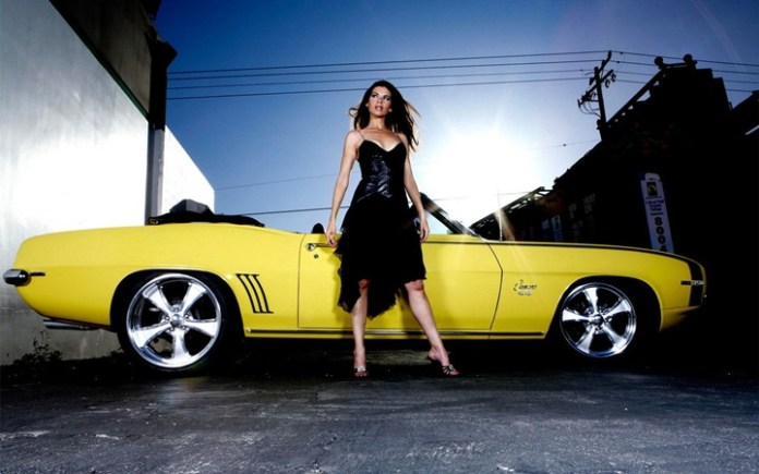 girls-with-exotic-cars- (11)