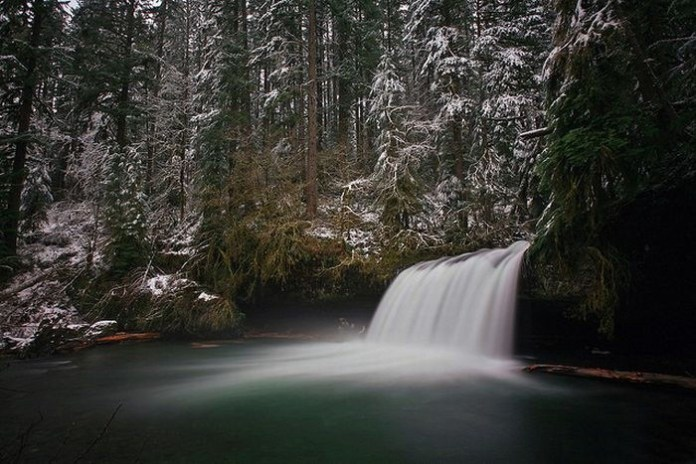 beautiful-waterfall-21-photos- (10)