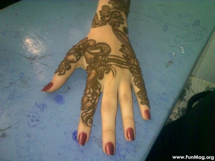 beautiful-mehndi-designs-for-eid- (1)