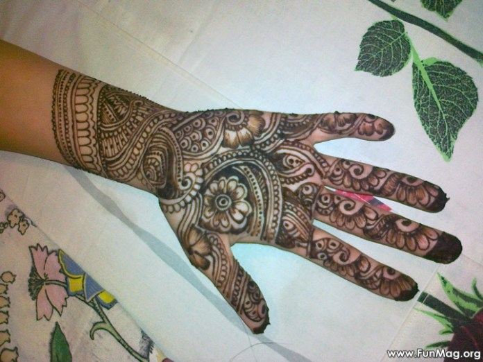 beautiful-mehndi-designs-for-eid- (4)