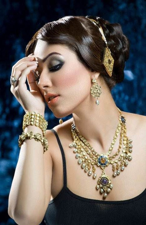 amber-ali-latest-jewelry-designs-with-ayyan-ali- (4)