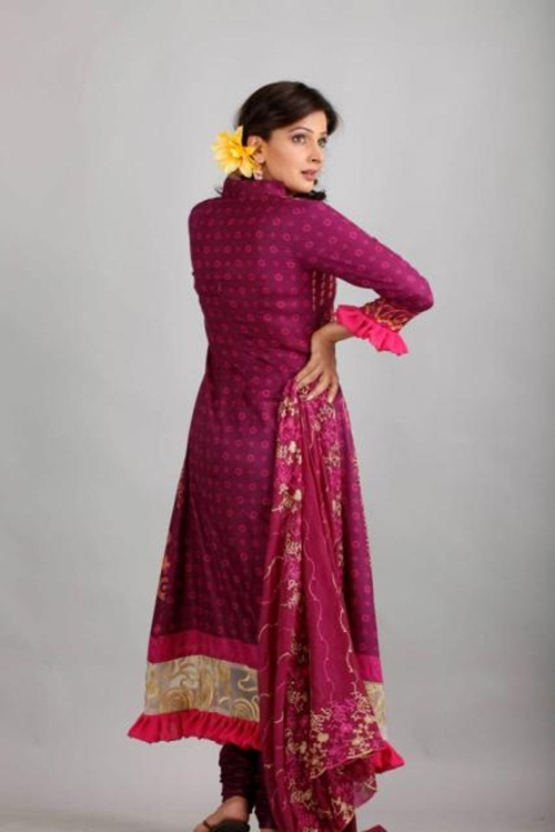 dawood-lawn-collection-2012-jami-motif-embroidery- (6)