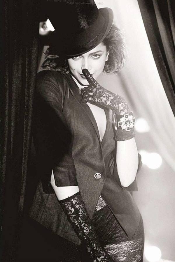 deepika-padukone-photoshoot-for-gq-magazine-october-2012- (9)
