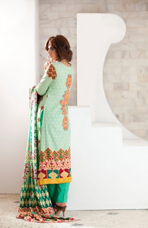 firdous-paris-linen-winter-collection-2012-with-ayyan-ali- (12)