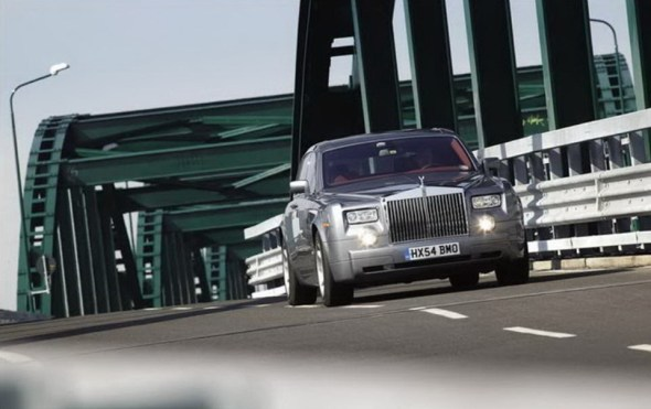 rolls-royce-phantom-photos- (4)