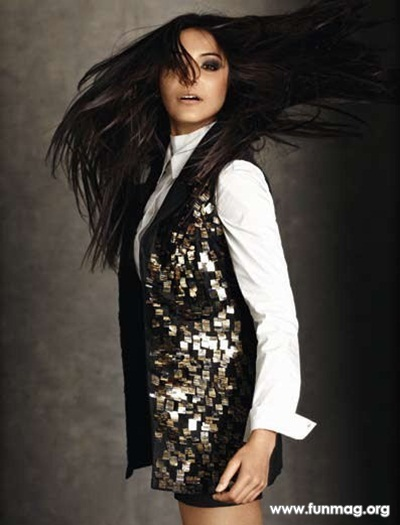 anushka-sharma-photoshoot-for-marie-claire-magazine-2012- (6)