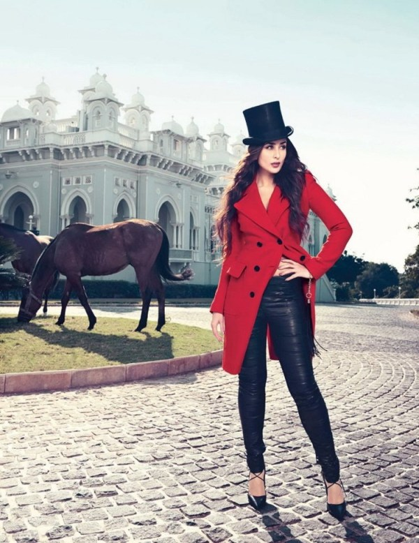 kareena-kapoor-photoshoot-for-vogue-magazine-february-2013- (7)