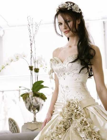 traditional-wedding-gowns- (1)