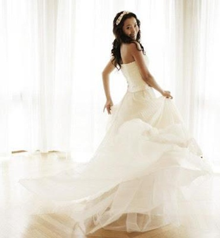 traditional-wedding-gowns- (21)