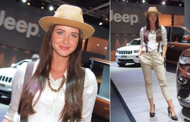 girls-with-cars-at-franfurt-motor-show-2013- (22)