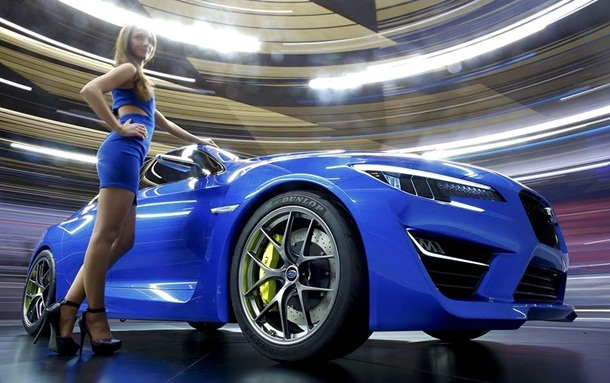 girls-with-cars-at-franfurt-motor-show-2013- (3)