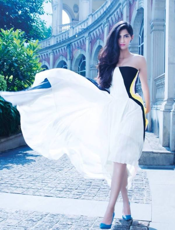 sonam-kapoor-photoshoot-for-hi-blitz-magazine-december-2013- (3)