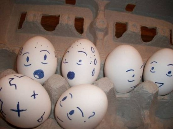 funny-eggs-expression- (21)