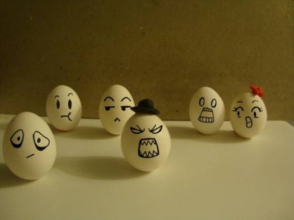 funny-eggs-expression- (26)
