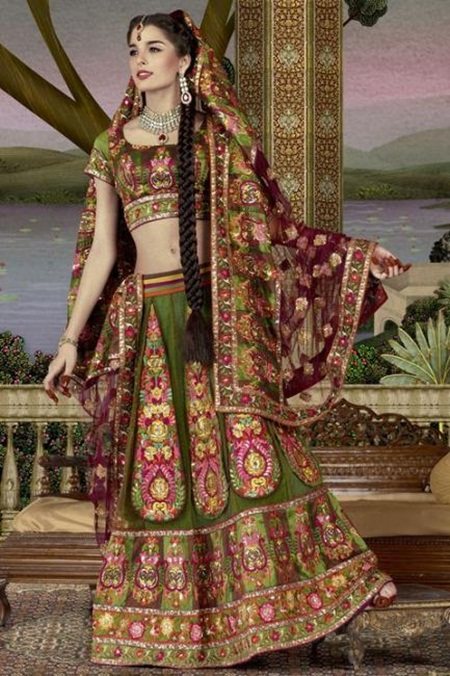 giselli-monteiro-in-indian-wedding-dresses- (3)