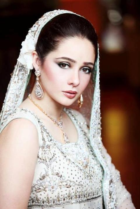 juggan-kazim-in-bridal-makeup- (11)