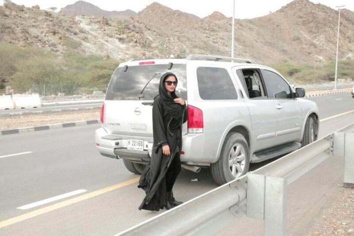 veena-malik-road-trip-with-husband-asad-bashir- (11)