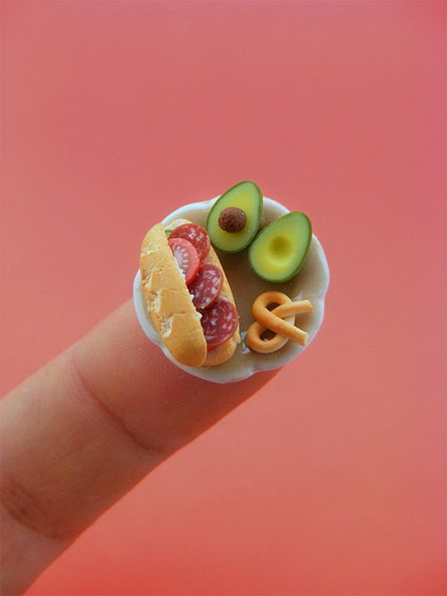 miniature-food-sculptures-by-shay-aaron- (20)