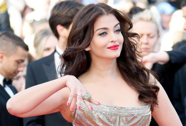 aishwarya-rai-at-cannes-film-festival-2014- (29)