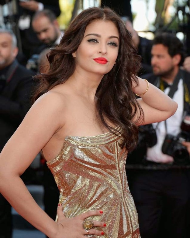 aishwarya-rai-at-cannes-film-festival-2014- (3)