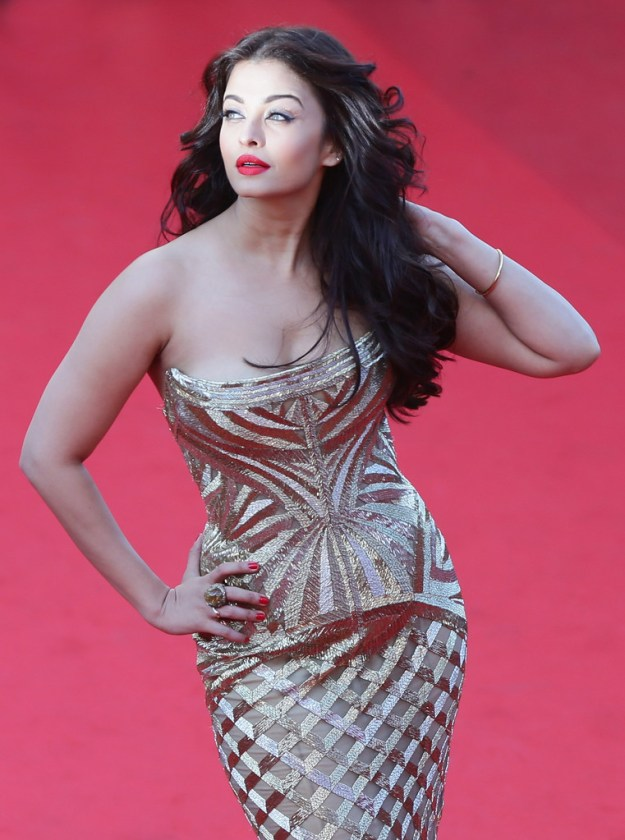 aishwarya-rai-at-cannes-film-festival-2014- (5)
