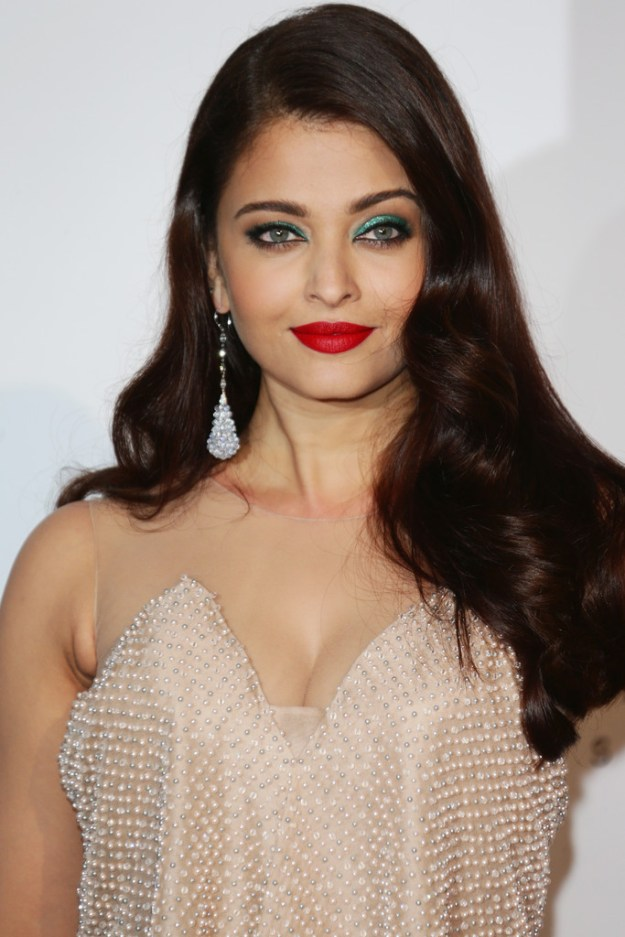 aishwarya-rai-at-cannes-film-festival-2014- (58)