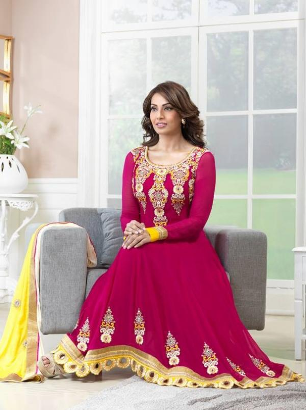 bipasha-basu-in-indian-anarkali-suits- (2)