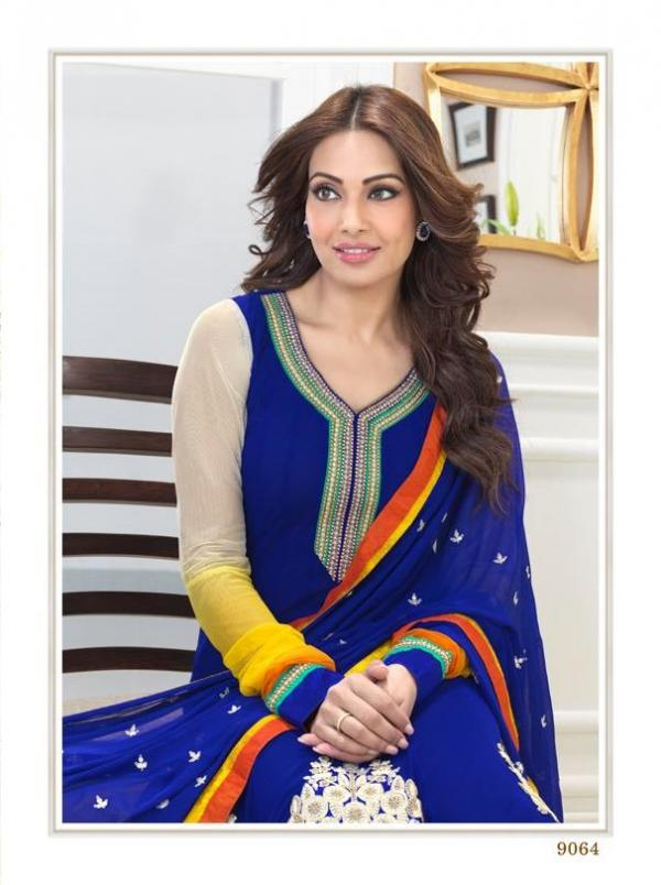 bipasha-basu-in-indian-anarkali-suits- (6)