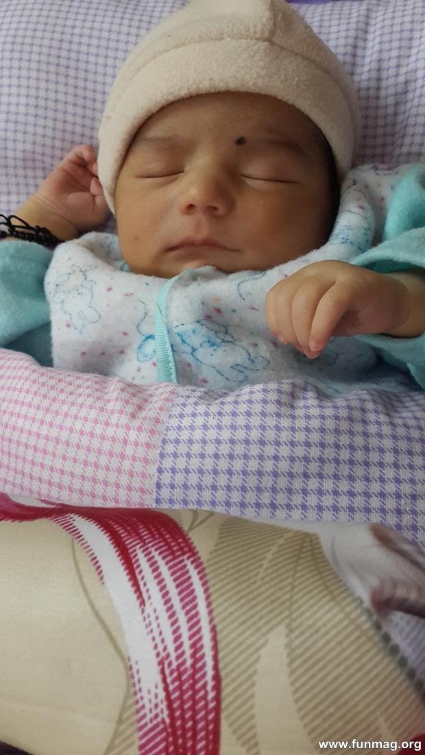 new-born-baby-aizab-31-photos- (15)
