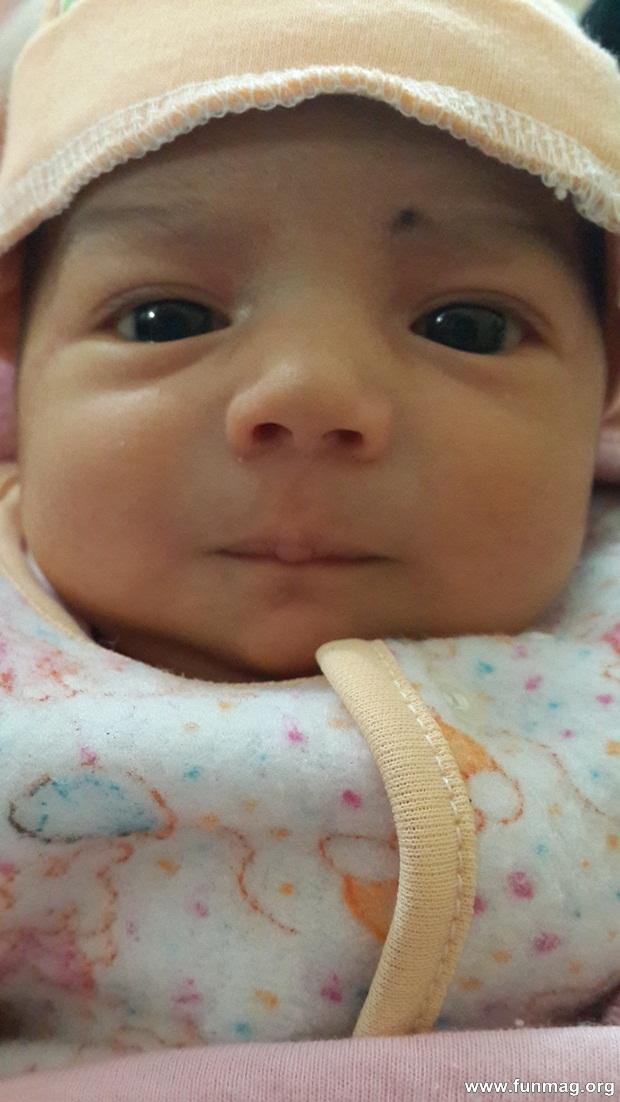 new-born-baby-aizab-31-photos- (21)