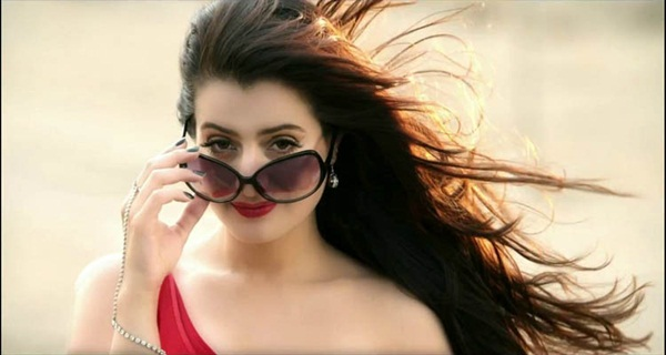 ameesha-patel-glam-star-sun-glasses-photoshoot- (6)