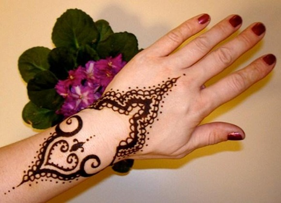 latest-mehndi-designs-for-eid-ul-adha-2014- (12)