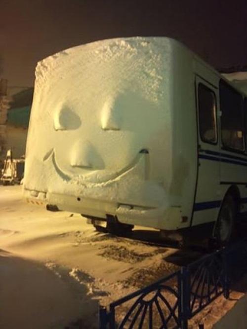 fun-with-snow- (12)