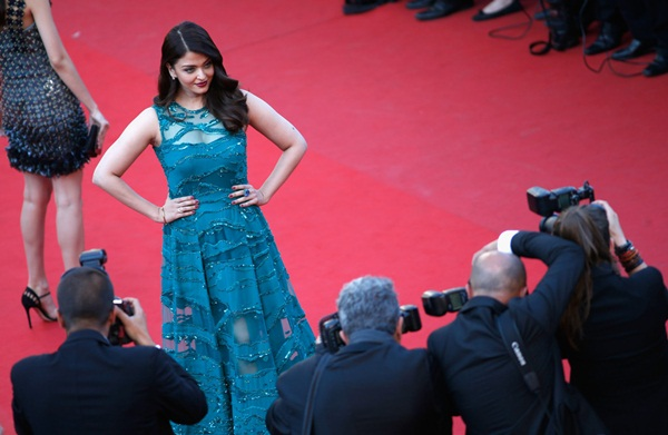 aishwarya-rai-at-cannes-premiere-of-carol-2015- (10)