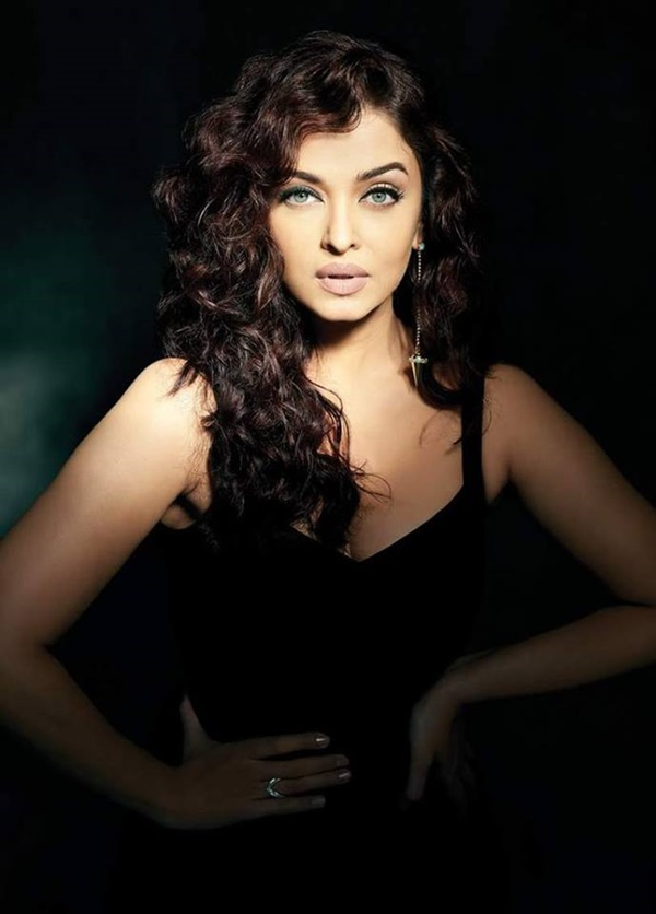 aishwarya-rai-photoshoot-for-filmfare-magazine-october-2015- (1)