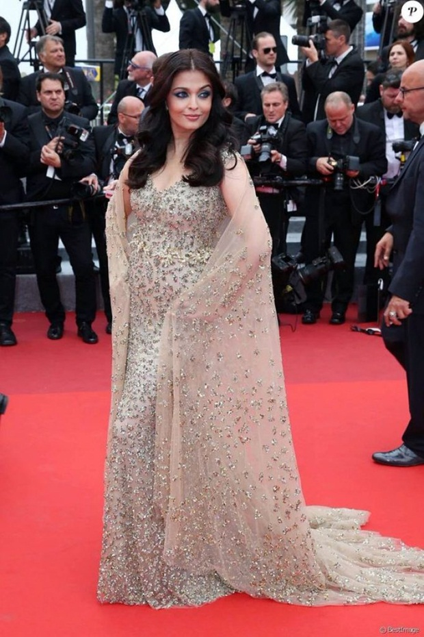 aishwarya-rai-in-cannes-2016- (14)