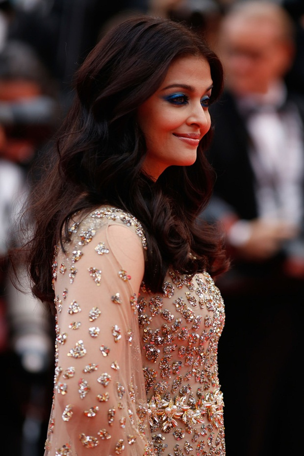 aishwarya-rai-in-cannes-2016- (26)