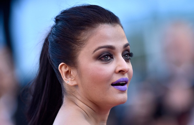 aishwarya-rai-in-cannes-film-festival-at-mal-de-pierres-premiere- (11)