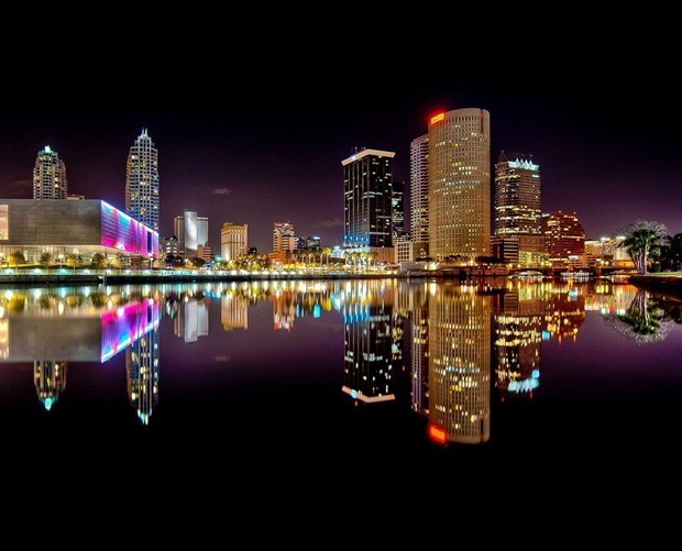 grand-buildings-reflected-in-water- (2)