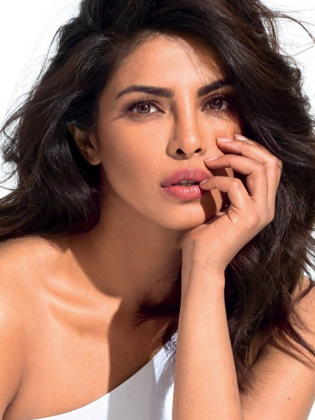 priyanka-chopra-photoshoot-for-maxim-magazine-july-2016- (1)