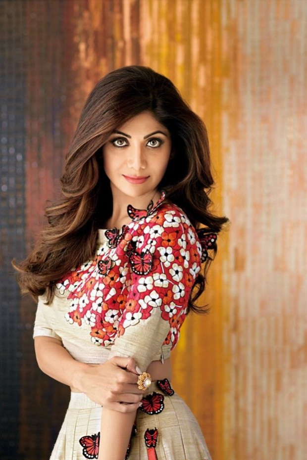 shilpa-shetty-photoshoot-for-hi-blitz-magazine-august-2016- (10)